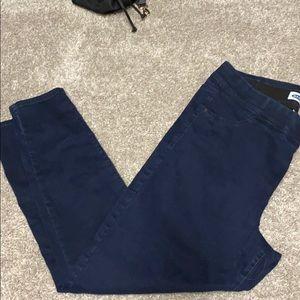 Old Navy Slimming Pant